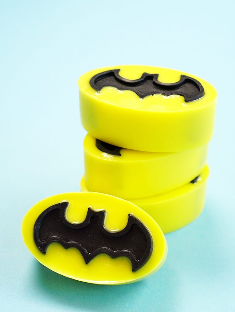 Make your own Batman activated charcoal soap that's perfect for fighting acne and problem skin (and crime!)! Stack of Batman soaps.