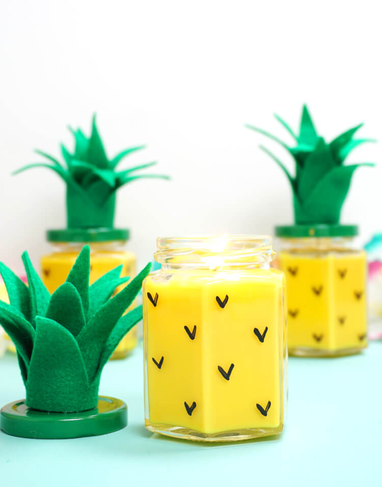 Ever Wondered How To Make Candles? These Easy DIY Pineapple Candles Are SO  Simple To Make, And They Smell Amazing! Makes A Great DIY Gift Idea For  Friends, ...