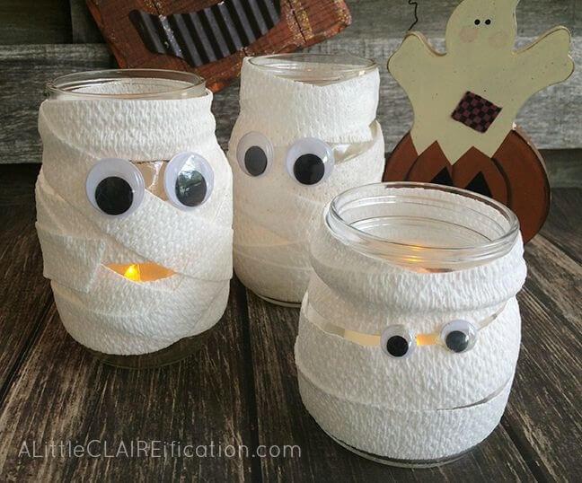 3 mummy jars