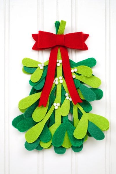 Happiness is homemade quick and easy crafts recipes for Simple christmas decorations to make