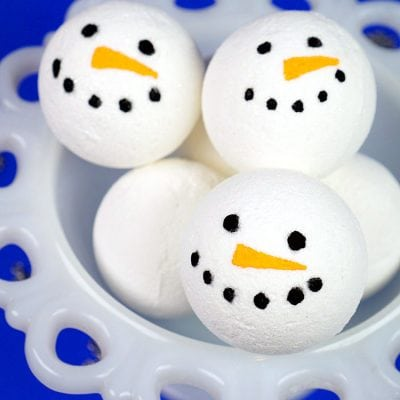 Easy Snowman Bath Bomb Recipe + Gift Idea