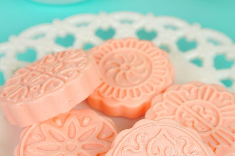 10-Minute Shimmery Grapefruit Soap