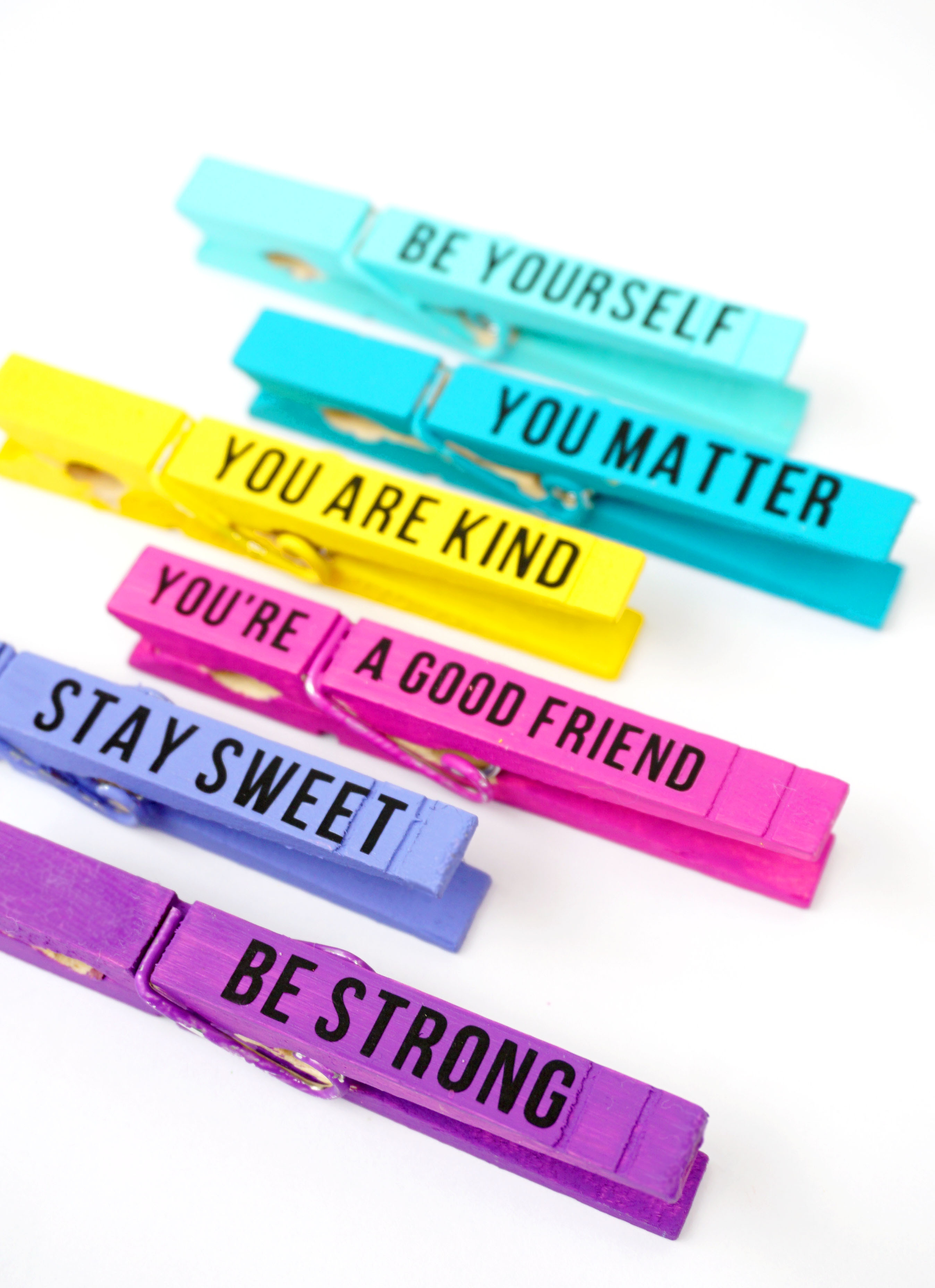 Kindness Clips Random Acts Of Kindness Idea Happiness