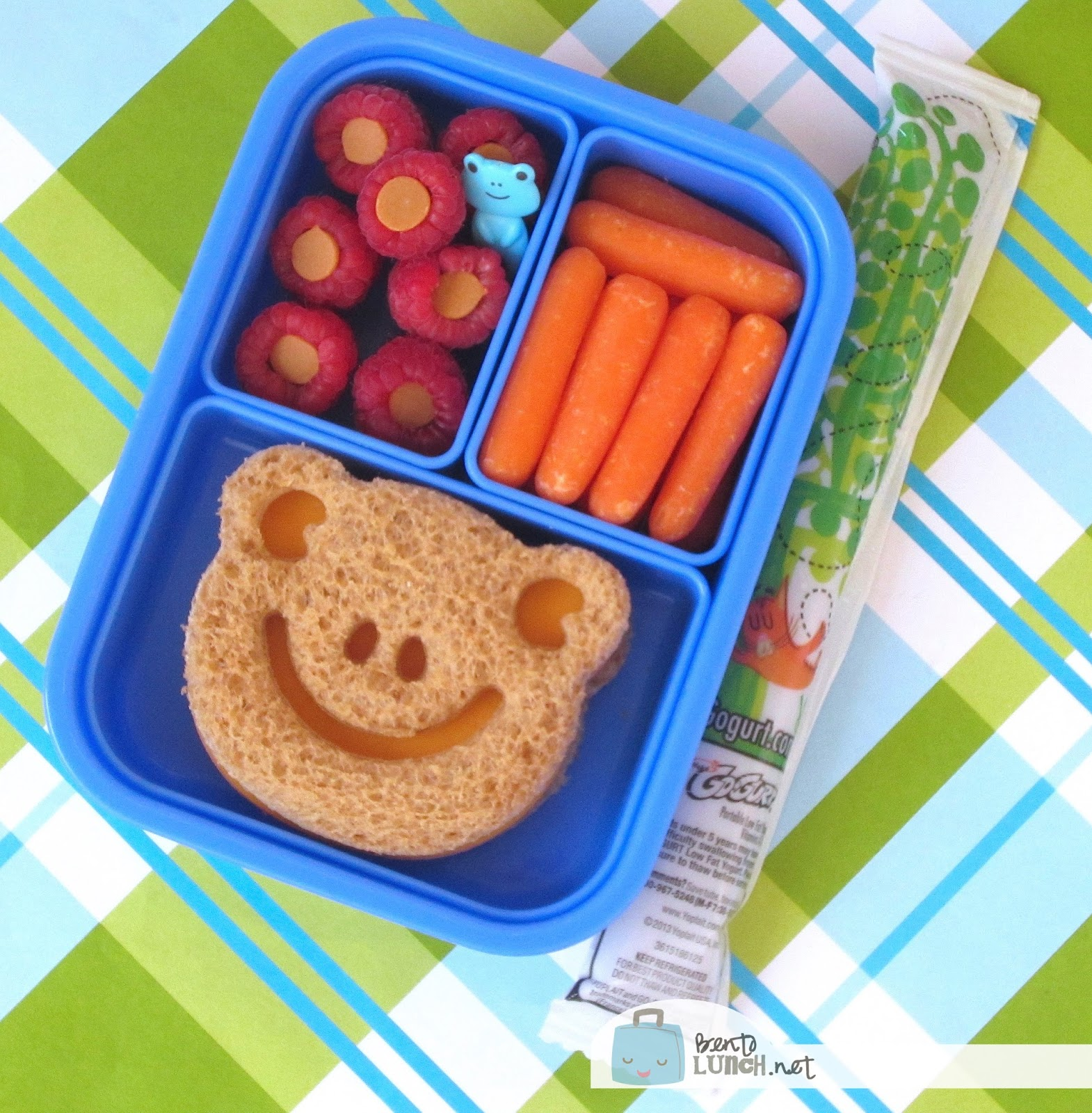 I Cant Get Over How Cute This Frog Bento Lunch Box From Is And You Guessed It Its Also Made Using My Favorite Animal Sandwich Cutter Set