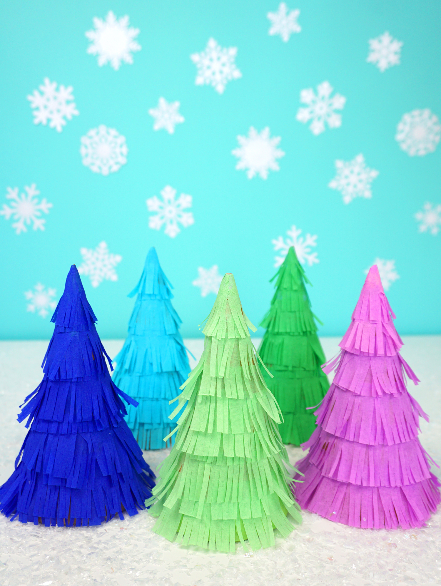 These cute Christmas tree piñatas are packed full of goodies and tasty treats, so they do double duty as both holiday decor AND party favors for your ...