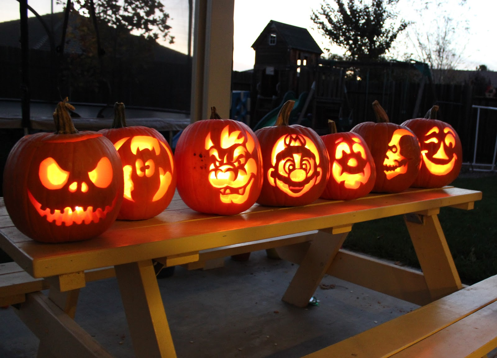 2012 Pumpkin Carving Day - Happiness is Homemade